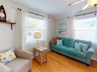 Comfortable Two Bedroom Cottage Just Steps To The Beach