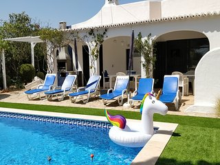 Casa Carina - 5 Bedroom air conditioned pool villa within easy walk of town