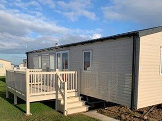 Modern spacious caravan for hire at Eyemouth Holiday Park
