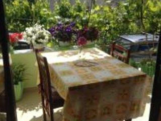 Guest house Aleksander, vacation rental in Fier County
