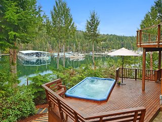 NEW LISTING! Spacious, waterfront home w/ a shared dock, hot tub, & WiFi!