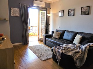 Superb Beachside 2 Bed Apartment- New for Summer 2020