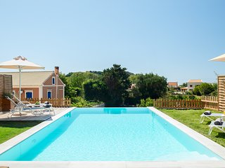 Reiki Luxury Villas