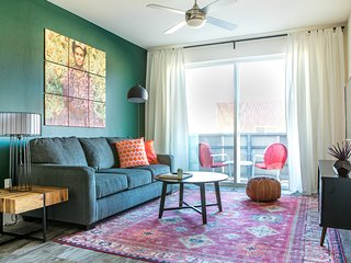 WanderJaunt | Arvin | 1BR | The Domain