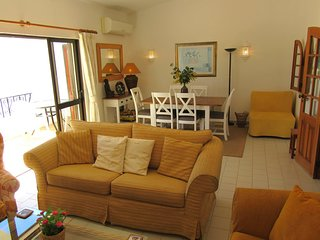 2 Bedroom Townhouse on Areias dos Moinhos with Sea View