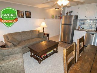 NO BAIT & SWITCH PRICING Includes Parking/Cleaning/Wi-Fi 2BR/2BA Sleep 7 ML325