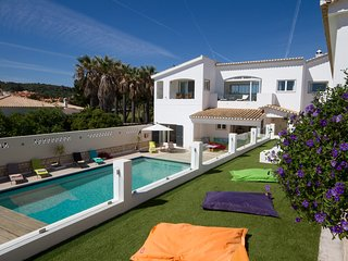 Casa Caravela - Luxury 6 Bedroom Villa, 100m from the beach