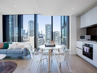 Central Melbourne 2bed2bath APT on Collins St.