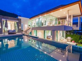 Luxury Modern 3 Bedroom Pool Villa With Sea View!