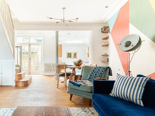 The Denmark Hill Retreat - Bright & Spacious 3BDR House with Terrace