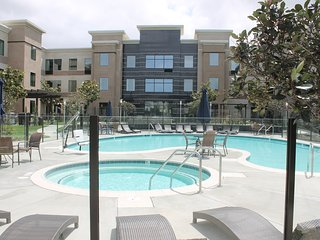 Hearing Accessible Studio Near the Airport | Fitness Center + Pool Access