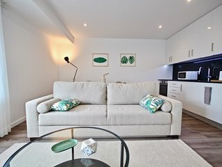 Savory Green Apartment, Sete Rios, Lisbon, !New!