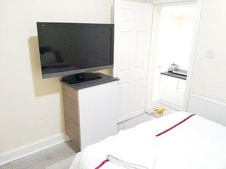 Nice n cozy apartment London
