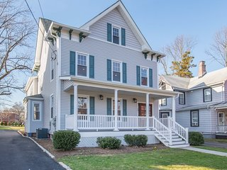 Fully renovated charming home, close to NYC