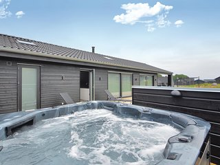 Stunning home in Haderslev w/ Jacuzzi, Sauna and 4 Bedrooms