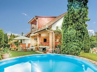Nice home in Balatonalmadi w/ WiFi and 3 Bedrooms (UBN676)