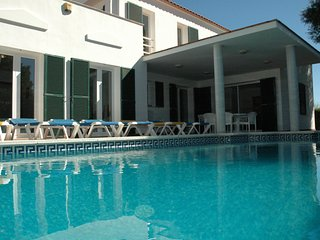 Spacious Villa with private pool, garden, wifi, air con, superb location.