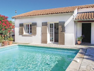 Beautiful home in Les Angles w/ 2 Bedrooms (FLG399)