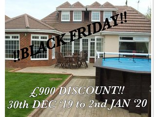Peacehaven Palace - Pamper Room, Pool, Free Parking, 5 Bed, 4 Bathroom