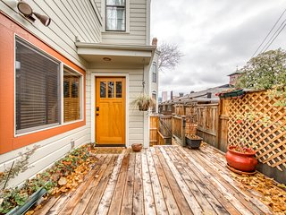 Grand Victorian Italianate in NW Portland with a great location & private deck!