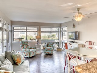 Renovated beachside condo with two shared pools, hot tub, sauna & prime location