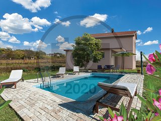 Awesome home in Imotski w/ Outdoor swimming pool and 3 Bedrooms (CDC561)