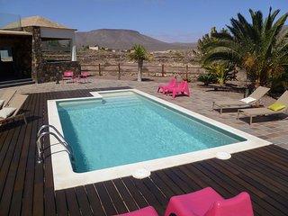 Casa Atlanntes con piscina en un jardin de 4000m2