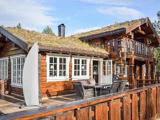 Stunning home in Hemsedal w/ WiFi and 4 Bedrooms (N33220)
