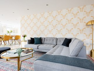 The Porchester Terrace - Modern & Bright 5BDR Penthouse with Terrace