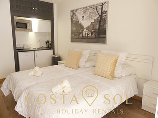 LA CARIHUELA TORREMOLINOS - HOLIDAY RENT- STUDIO 1