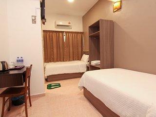 Pearl Inn G015