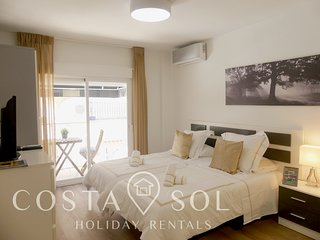 LA CARIHUELA TORREMOLINOS -HOLIDAY RENT - STUDIO 2