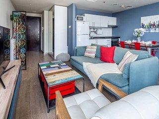 Vibrant Apartment in Dubai Marina - Near Metro & Tram