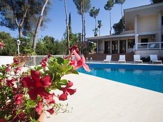 Charming Villa In The Exclusivity Of Son Vida