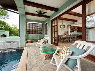 5 BR Home w Pool Just Steps from Playa Danta
