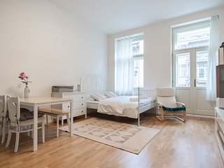 Bright studio in centre of Prague by easyBNB
