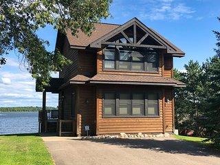 NEW! Bay Lake Cabin w/200ft of Lakefront Shoreline