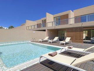 2 Bedroom Deluxe Villa W/ Private Pool in Albufeira