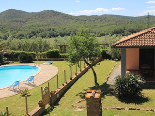 House in Toscany;pool, thermals & sea.Agriturismo.(Po)