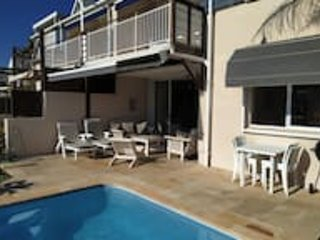 Peter's Place ♥ Private Pool On The Water's Edge | WIFI | DSTV