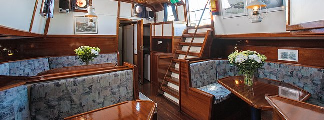 Welcome aboard the traditional sailing ship Eersteling