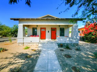 Inviting Tucson home close to downtown w/enclosed yard & private gas grill