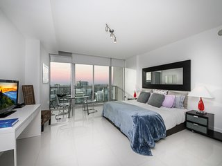 00549 Miami Brickell Perfect Penthouse Cozy Studio