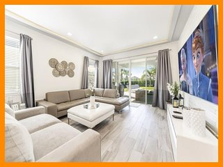 Encore Resort 849 - Immaculate villa with private pool and home theater nr Disne