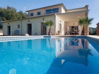 VILLA LA ROMANA- House in Crestatx / Pollença- MALLORCA- Private Pool. Jacuzzi.