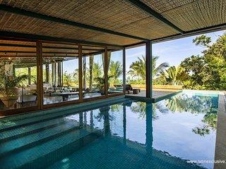 Bah157-4 bedroom villa with pool in Itacare