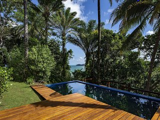 Bah165-6 bedroom beach house in Itacaré