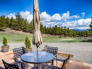 NEW LISTING! Skyrocket Ranch Chalet on 36 Acres, Hot Tub, 5 Minutes from Downtow
