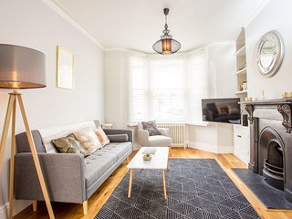 The Romsey Lofthouse - Charming & Bright 3BDR Home