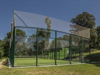 MAS ROCA Casa con instalaciones deportivas privadas